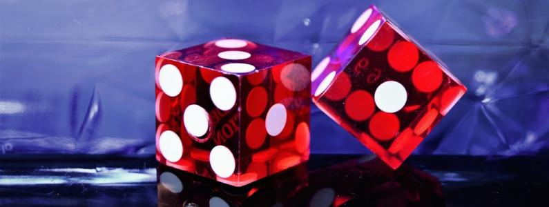 Red dice x2